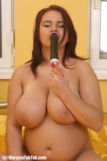 Marysia Taktak big boobs (9)