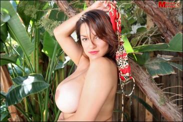 Monica Mendez unleashes her massive jugs (9)