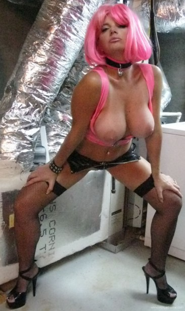 PHOTO | Vicky at home pink 12 366x613 - Vicky at Home looks like a naughty super villain in Pink