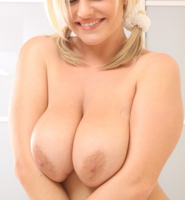 Victoria Summers  huge boobs (13)