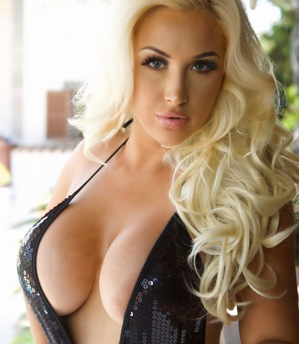 PHOTO | 02 4 e1508995072785 - STUNNER ALERT! Hollie Dahlberg is a Blonde Bombshell you CAN'T IGNORE!