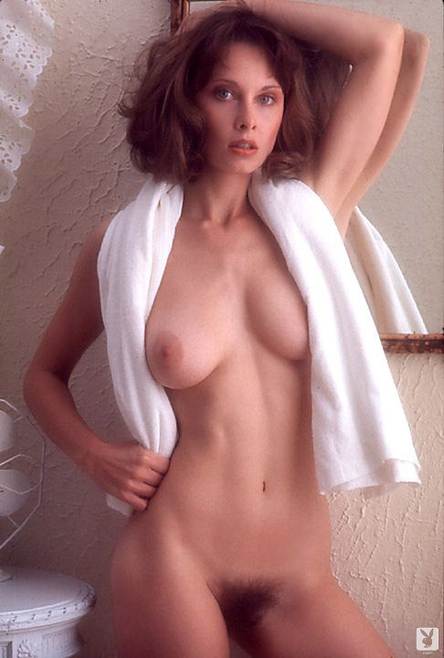 PHOTO | 1c254288 - VINTAGE BEAUTY! Linda Beatty absolutely CRUSHED it in this Nude Gallery