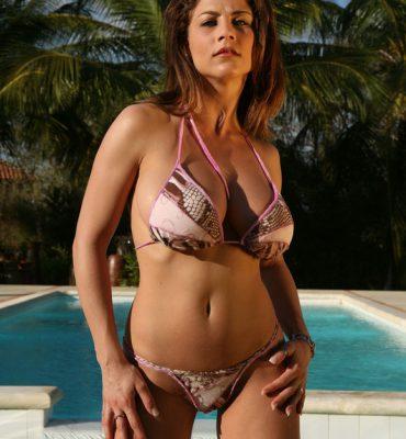 PHOTO | 01 6 370x400 - The Beach Just got a FUCK LOAD HOTTER! Roberta Misoni is a fucking SCORCHER!