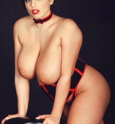 PHOTO | 04 3 e1511323959437 370x400 - Kerry Marie's CHEST MOUNTAINS are Another Modern Miracle of Creation!