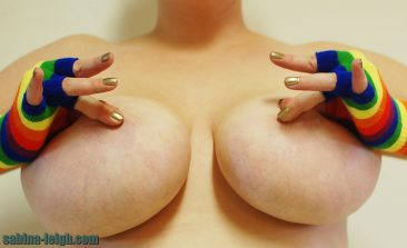 PHOTO   15 21 366x223 - UP CLOSE AND PERSONAL with Sabina Leigh's MASSIVE Tittays!