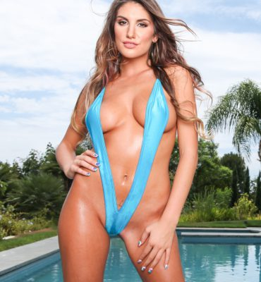 PHOTO | 1c372115 e1511334165250 370x400 - DIZAM! August Ames turns up the Heat in this Bikini Shoot by the Pool
