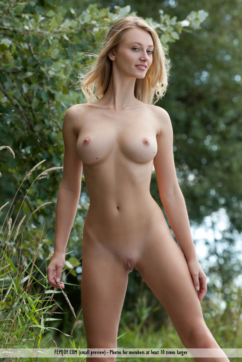 PHOTO | femjoy 116617 015 1 - BREATHTAKING BLONDE BOMBSHELL! Carisha is a Sculptures Dream Model!