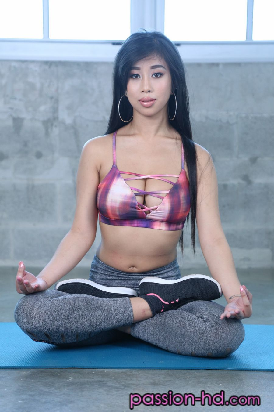 Namaste! Jade Kush will Put your Peen in a Yogo Pose