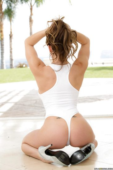 PHOTO | 02 49 366x549 - Rachell Roxxx Bikini
