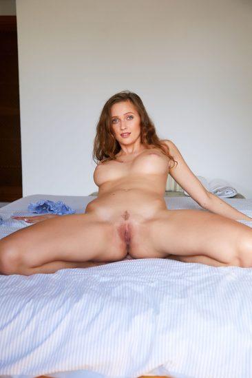 PHOTO | 11 13 366x549 - Presenting Stacy Cruz
