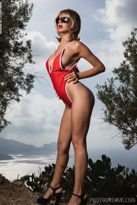 PHOTO | 00 81 480x720 - Naked Babe Nadine Showing Fake Tits