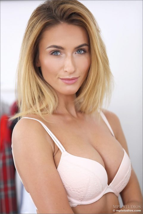 PHOTO | Cara Mell 00 480x719 - Cara Mell In Nothing To Wear