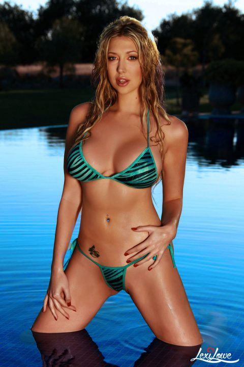PHOTO | 00 108 480x720 - Busty Lexi Lowe