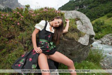 PHOTO   00 240 366x244 - Lorena G. - Sexy Mountain Views