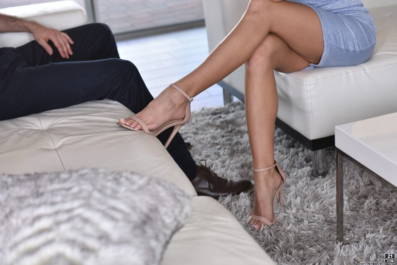 PHOTO | 00 310 - Cum On My Feet With Jessa Rhodes