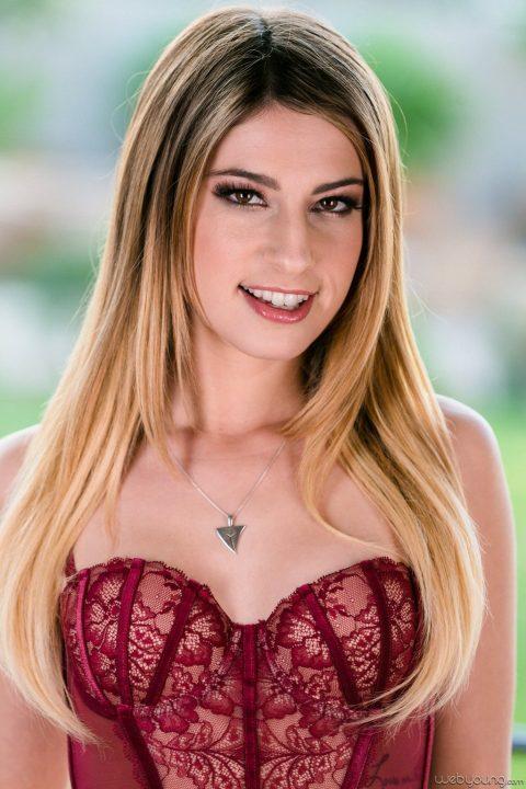 PHOTO | 00 361 480x720 - Kristen Scott Makes Youu Feel Hot