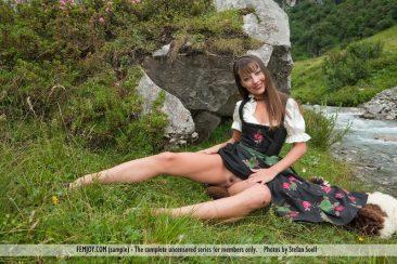 PHOTO   01 184 366x244 - Lorena G. - Sexy Mountain Views