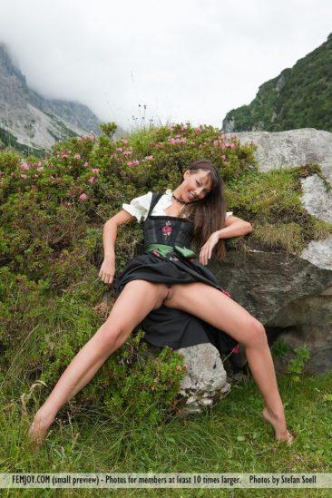 PHOTO   04 184 366x549 - Lorena G. - Sexy Mountain Views