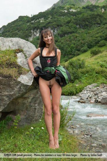 PHOTO   06 183 366x549 - Lorena G. - Sexy Mountain Views