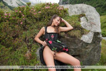 PHOTO   09 182 366x244 - Lorena G. - Sexy Mountain Views
