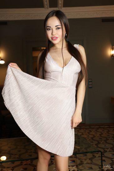 Conoce a Li Moon, la modelo Ucraniana, cuidado que enamora