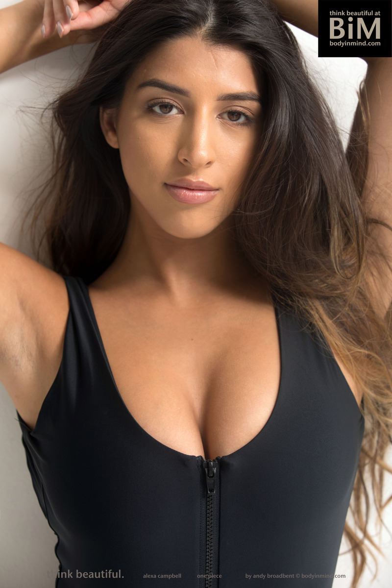 PHOTO   Sexy Brunette Babe Alexa 00 - Sexy Brunette Babe Alexa