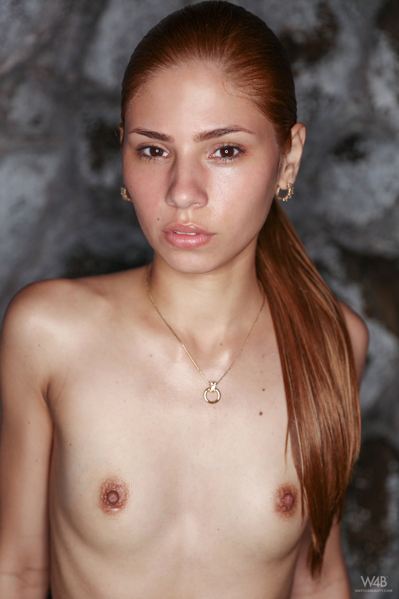 PHOTO | 00 327 - Cute Tanned Teen Mily Mendoza Gets Naked