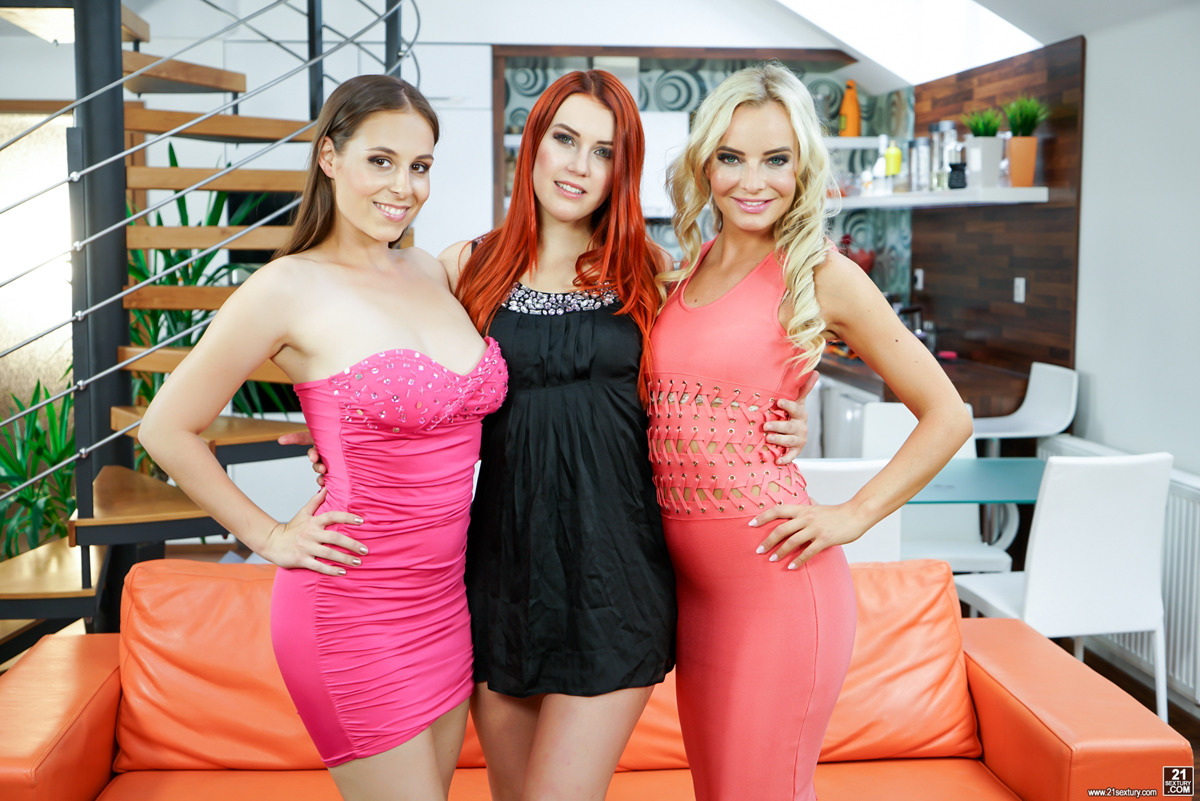 PHOTO | 00 349 - The Hottest Lesbian Trio Hardcore