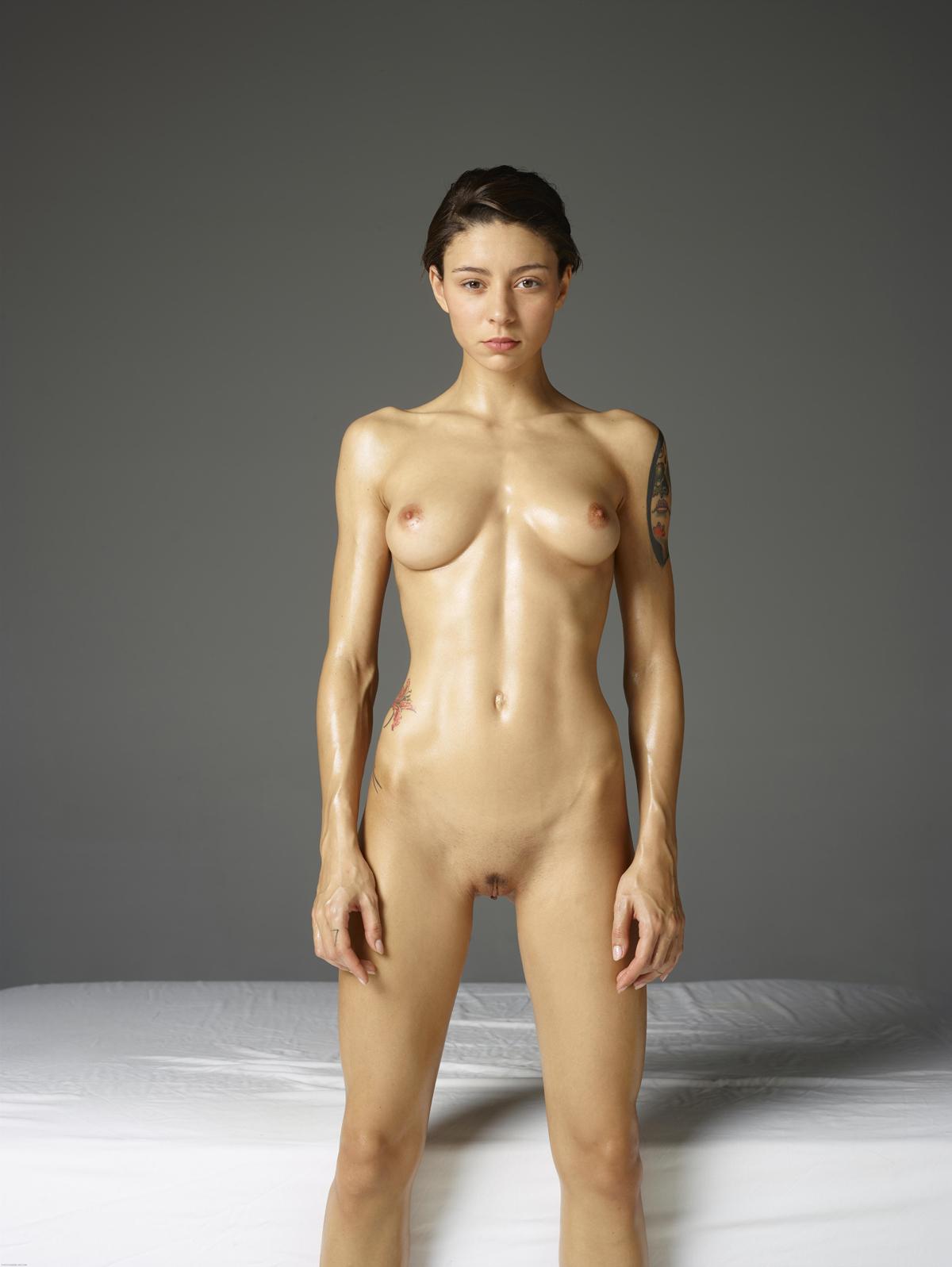 PHOTO | 00 46 - Tattooed Rose Acrobatic Erotics
