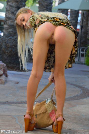 PHOTO   01 165 366x551 - Yummy Blonde Riley - Public Nudity