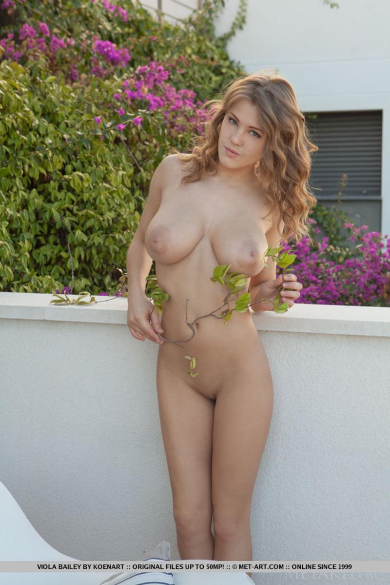 PHOTO | 00 424 - Viola Bailey Nude