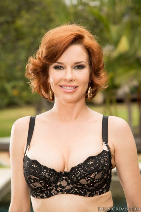PHOTO | 00 459 480x721 - Redhead Veronica Avluv