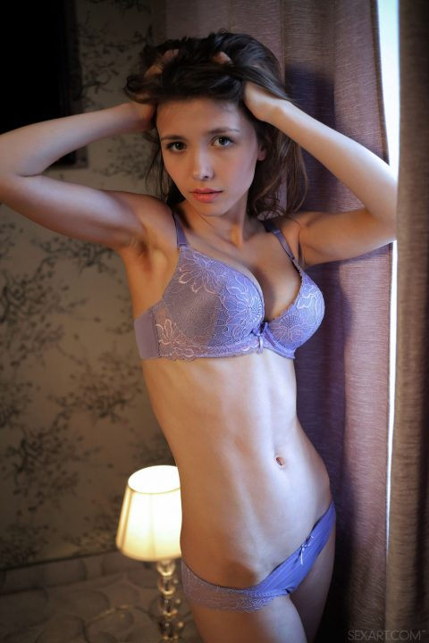 PHOTO | 00 463 480x720 - Busty beauty Mila Azul