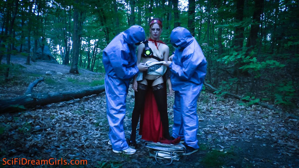 PHOTO   1 21 - Rosie Red Bot Sci Fi Dream Girls