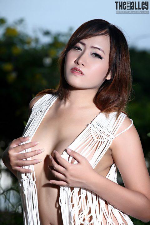 PHOTO   Asian girl in white 00 480x720 - Asian Girl In White