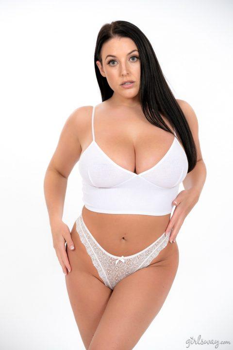 PHOTO | 00 302 480x720 - Glamour - Angela White