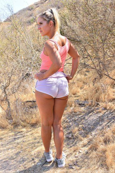 PHOTO | 11 51 366x550 - Big Butt Babe Candice