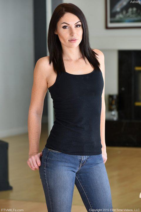 PHOTO | Ashley 00 480x722 - Ashley Dark & Sexy