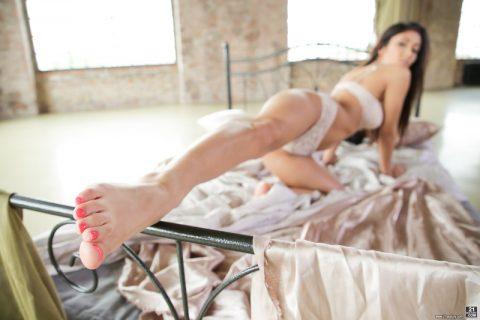PHOTO | Beauty brunette making love 00 480x320 - Beauty Brunette Making Love