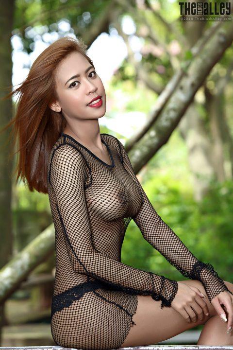 PHOTO | Hot asian in fishnet 00 480x720 - Hot Asian In Fishnet