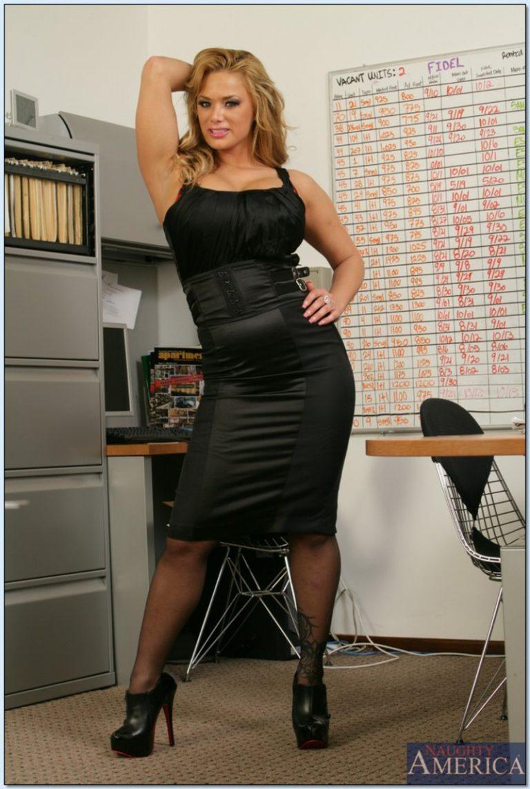Shyla Stylez Office Woman | Boobs Photo