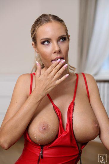 PHOTO | 04 53 366x549 - Erotic Affair - S7:E7