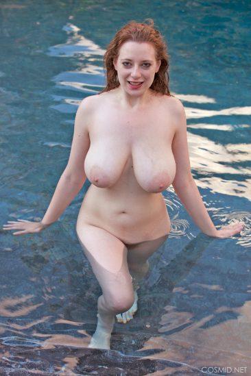 PHOTO   09 103 366x549 - Misha Lowe Wet Boobs