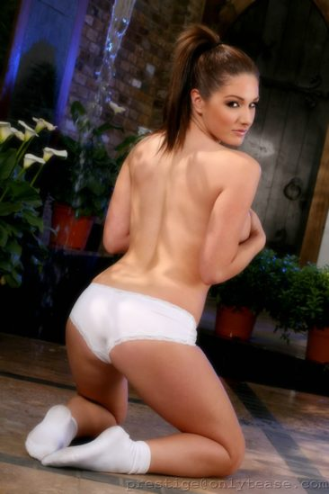 PHOTO | 14 44 366x549 - Lucy Pinder In White Tennis Outfit