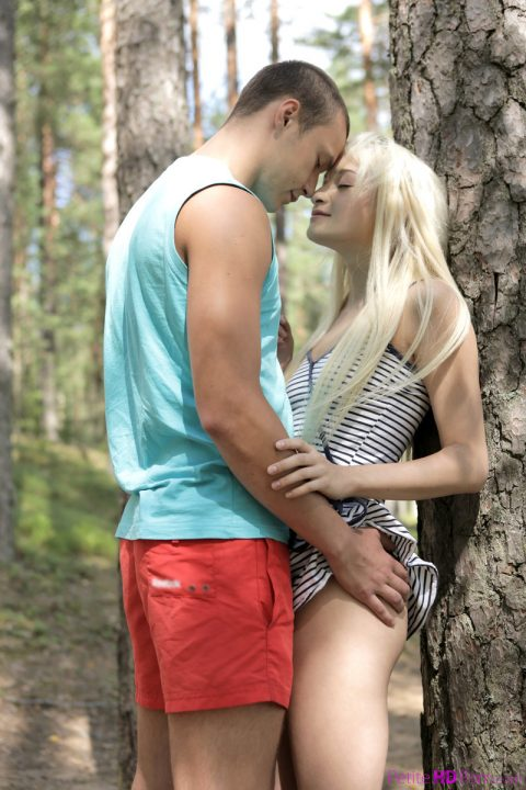 PHOTO | Blonde teen girl fuck nature 00 480x720 - Blonde Teen Girl Fuck In The Nature