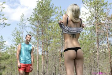 PHOTO | Blonde teen girl fuck nature 01 366x244 - Blonde Teen Girl Fuck In The Nature