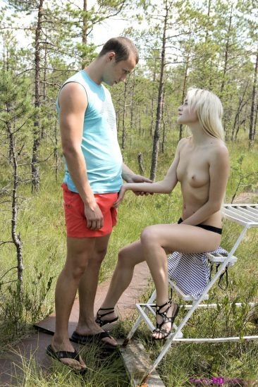 PHOTO | Blonde teen girl fuck nature 02 366x549 - Blonde Teen Girl Fuck In The Nature