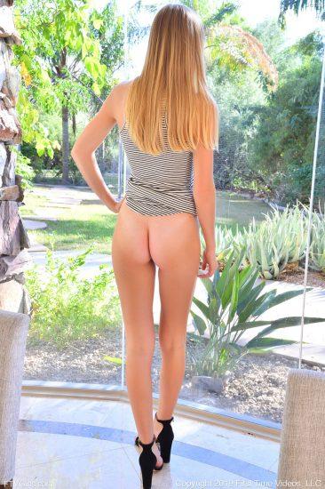 PHOTO   Jenni Sensual in heels 09 366x550 - Jenni Sensual In Heels
