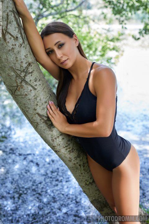 PHOTO | Lauren Down in the Woods 00 480x720 - Lauren - Down In The Woods