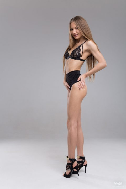 PHOTO | 00 480x720 - Casting Sexy Teen Jolie